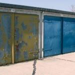 oude garagedeur rijp voor vervanging
