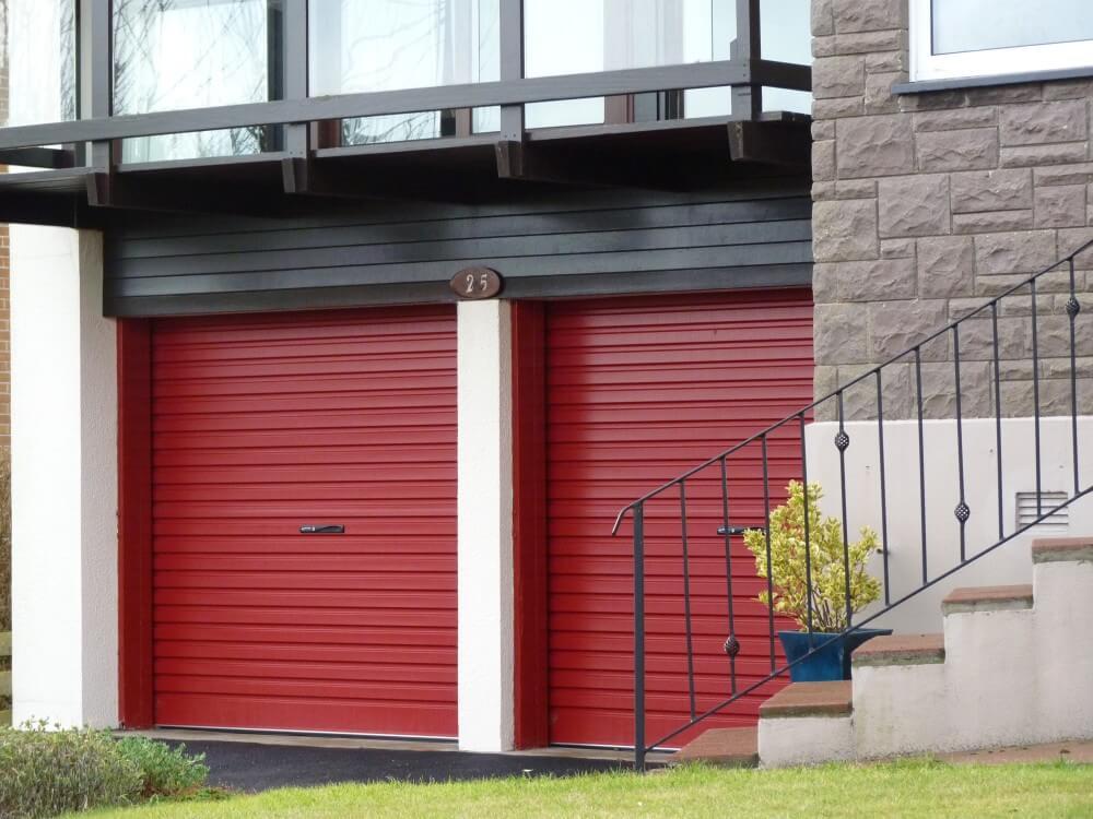 garage roldeuren rood
